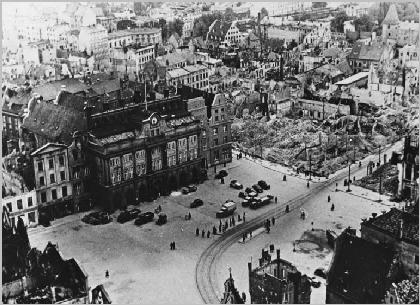 Potsdam prenzlau pr m rathenow recklinghausen for How many homes were destroyed in germany in ww2